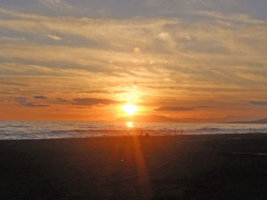 Det blev en vacker solnedgång i väster. Flera än jag plockade fram kamera.