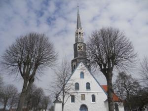 Den vackra kyrkan i Heide