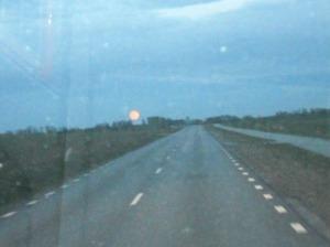 Hahaha! En mycket dålig bild, men jag kan inte låta bli, att visa den vackra månen!