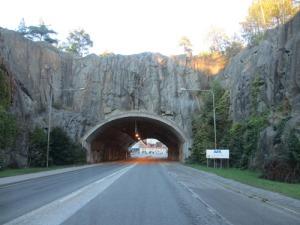 Vacker infart till Karlshamn. Det känns nästan som Spaniens tunnlar.