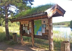 Vid Röa Broa finns en fin rastplats som sköts av byalaget