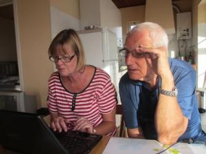 Anna och Ingemar begrundar datorproblematiken