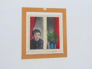 Trevligt s.k. blindfönster. I mitt barndomshem hade blindfönstret bara svartmålade rutor.