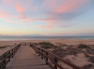 Även soluppgångarna utmed Algarve kan vara vackra