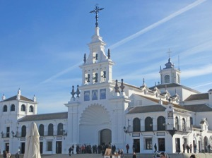 Förra året höll man på att renovera kyrkan. Så här vacker blev den.