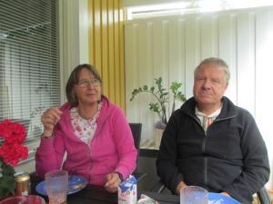 Kärt besök fick vi en dag av vännerna Elisabeth och Uffe från Skåne. Herrarna fördjupade sig som vanligt snart i sina datorer.