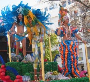 Den här helgen var det karneval i Loulé. Den karnevalen har vi besökt flera gånger och även den rekommenderar vi. Mycket vackert!