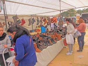 Skor och stövlar såldes mycket billigt